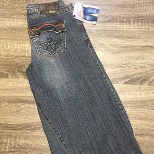 Womens Nine Rivets gaucho style blue jeans cropped